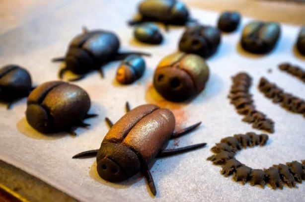 Marzipan Bugs: Recruit the kids for to make these cute creepy crawlers. Perfect to top cupcakes with!