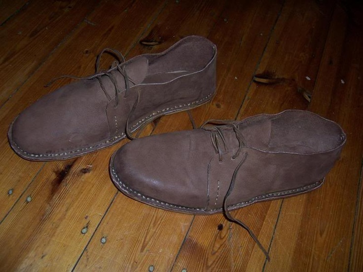 From whitesmoke.co.za >> Leather shoes : Voortrekker Style # step by step