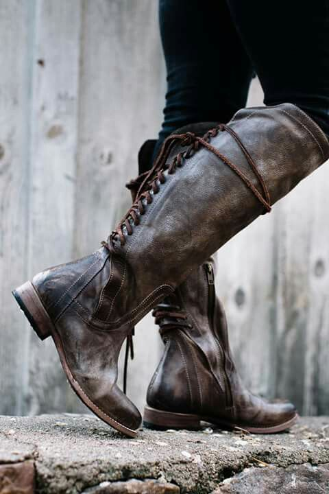 Why do they need zippers?! They have lacing. I hate zippers in otherwise awesome boots.