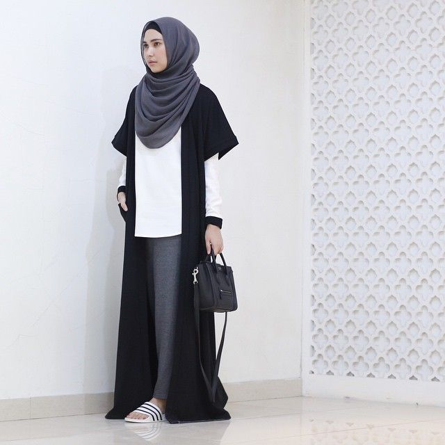 Complete your Raya with this minimal outfit by @ranihatta_store ⚪️ this easy to wear outer will be ready tomorrow only at @district12.id #ootddistrict12 #district12id