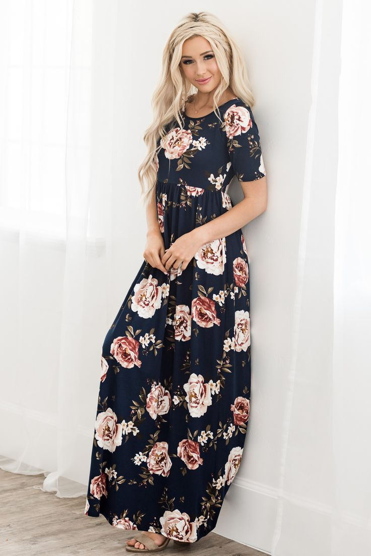 Gorgeous new color option in this super popular maxi dress! #taralynnsboutique #... 5