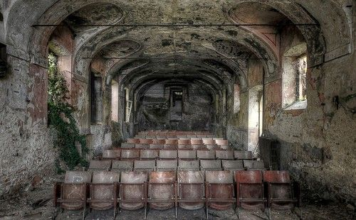 Old ruined buildings and rooms (36).jpg