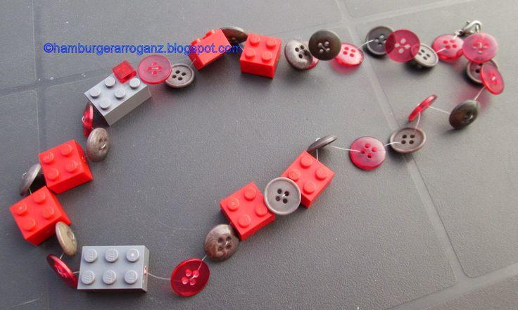Hamburger Arroganz: RUMS #22/2015: Kette aus LEGO und Knöpfen