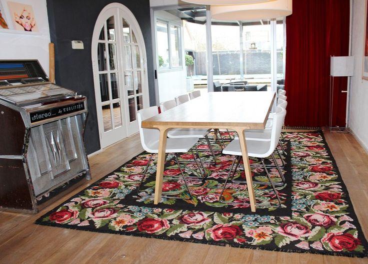 Meer dan 1000 idee n over kleurrijke tapijten op pinterest tapijten tapijten en boheems tapijt - Tapijt onder de eettafel ...