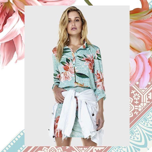 Um truque de estilo que não sai de moda e nós amamos é a famosa jaqueta jeans amarrada na cintura. Esse simples truque de styling consegue deixar qualquer look com uma pegada mais despojada! #Summer #highsummerNN18 #innocentijeans #bemoredenim #denim #jeans #new #newcollection #maxi #flowers