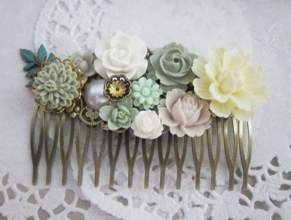 Bridal Hair Comb Sage Green Wedding White Ivory Cream Flower Head Piece Floral Comb Bridesmaid Gift Spring Summer Fresh Pure Elf Elven Fairy LOTR Fantasy Ethereal