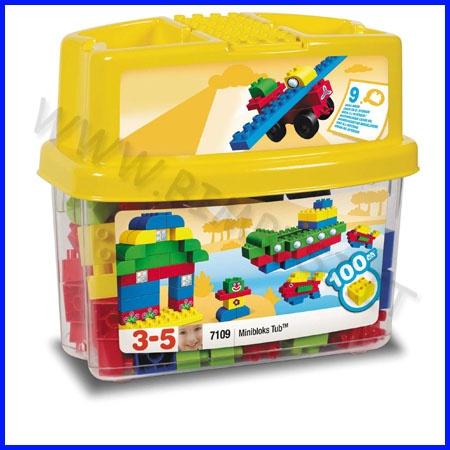 MEGA BLOCKS MINI BOX 100 PZ    MEGABLOCKS MINI I mattoncini della linea MINI sono particolarmente indicati per bambini a partire dai 18 mesi di età. E' infatti da questo periodo che i bambini iniziano a sviluppare la motricità fine, ossia a perfezionare la capacità di controllo dei loro movimenti anche quando hanno a che fare con oggetti piccoli.