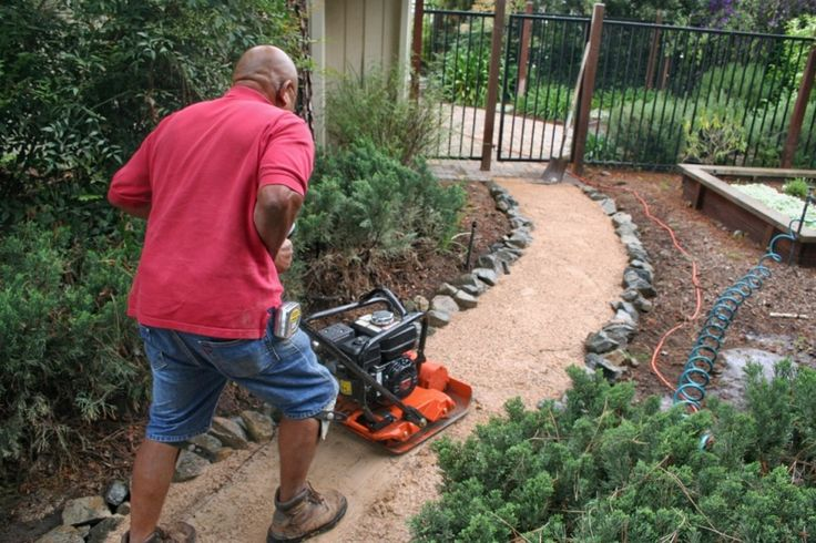 The 2 Minute Gardener: Photo - Decomposed Granite (DG) Pathway Construction...see other links.  Its a blog.