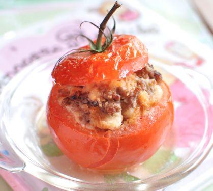 Tomates farcies, dès 1 an - Envie de bien manger. Plus de recettes pour bébé sur www.enviedebienmanger.fr/idees-recettes/recettes-pour-bebe