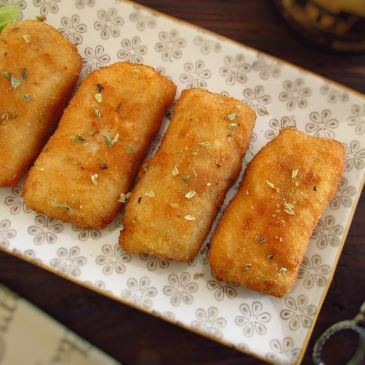 Breaded fish loins | Food From Portugal. Do not know what to prepare for dinner? Try breaded fish loins, it's easy to prepare and have excellent presentation! Serve with tomato rice and salad.   http://www.foodfromportugal.com/recipe/breaded-fish-loins/