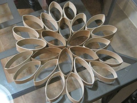 17 best images about craftyz on pinterest make paper for Snowflake out of toilet paper rolls