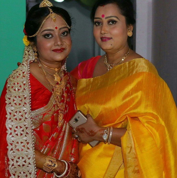 Benglali bride and sister (?)