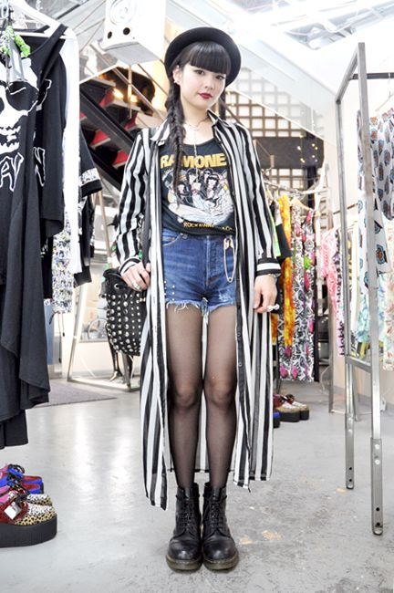 Harajuku Girls. Braid, Dark lips, Striped Coat, Ramones tee, denim shorts, studded bag, docs,