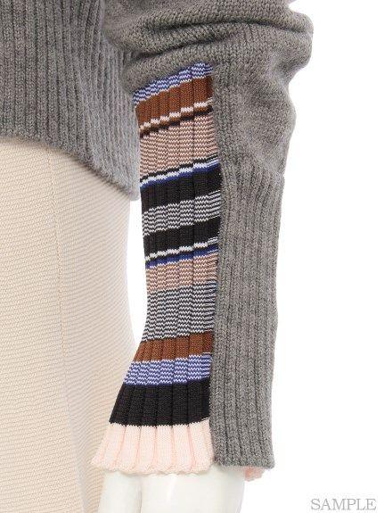 cuff trim detail with rib stripe inset