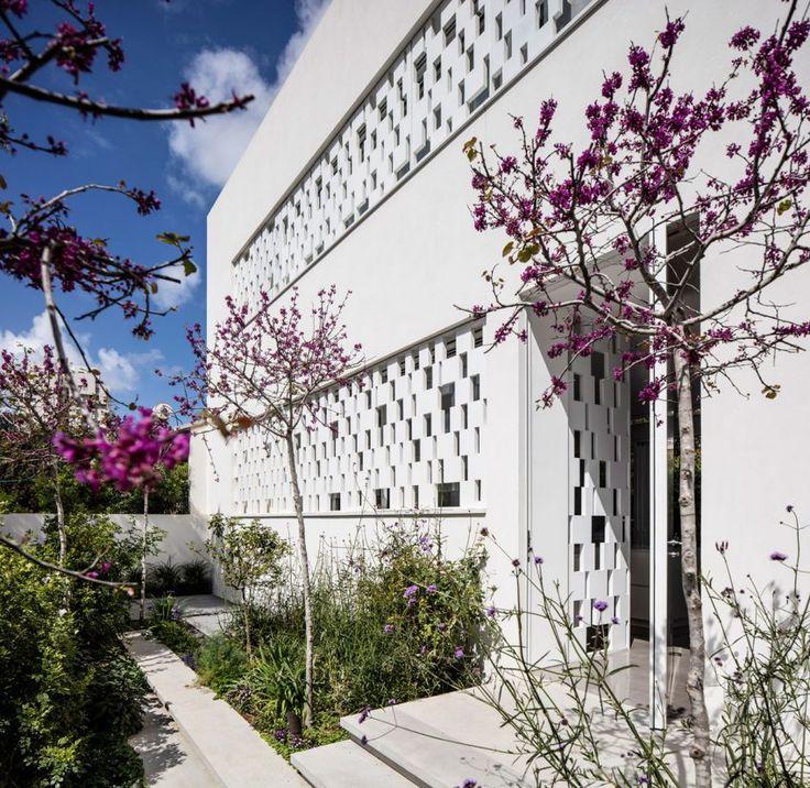 Tel Aviv House by Pitsou Kedem Architects (12)