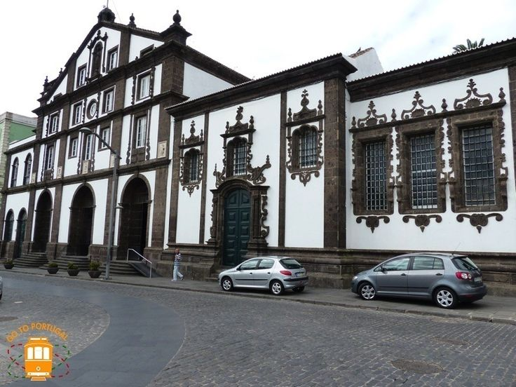 Sao Miguel's biggest city has many things to see and many places to go - visit the beautiful Senhor Santo Cristo Church.