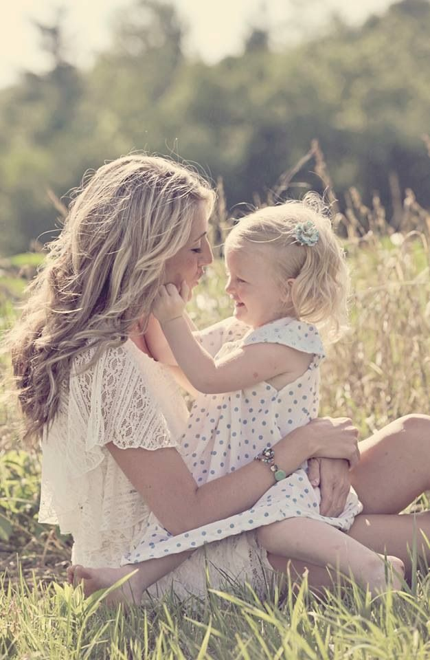 Mother daughter photography-- this would be cute with any kid in your life!