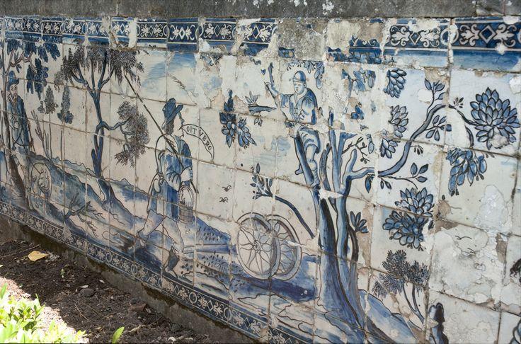 Lisboa | Palácio dos Marqueses de Fronteira / Palace of the Marquises of Fronteira | séc. XVII / 17th century #Azulejo #AzulejoDoMês #AzulejoOfTheMonth #Trabalho #Labour #Lisboa #Lisbon
