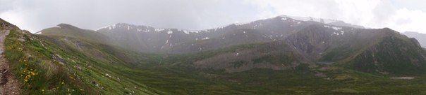 Вид с перевала Укок/Алтай  #mongoliantour #mongolia #nature #mongol #voyage #travel #asie #asia #steppe #traveling #tourism #traveler #travelers #visitmongolia #nomad #paysage #altay #altai #sibir #mountains #sky #lake #sunset #landscape #eagle #hunting #trees #Ukok monaltay.ru