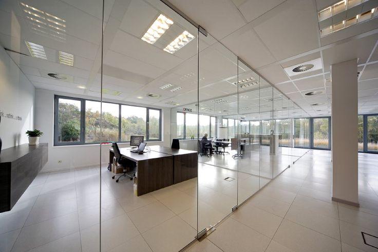 25 beste idee n over glazen wanden op pinterest trappen en kunstwerken - Kantoor transparant glas ...