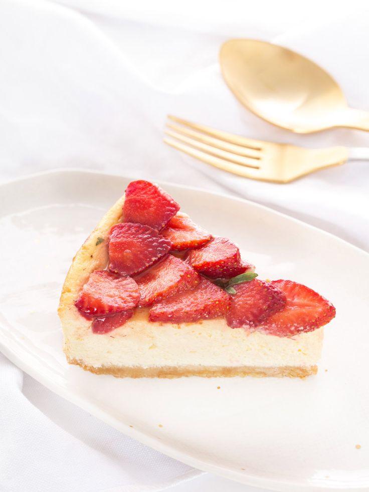 Un cheesecake fraise basilic inspiré de celui dégusté au SIP coffee bar à Bordeaux