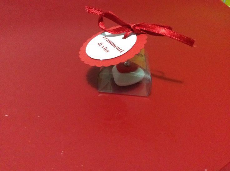 Cuoricini decorati in confezione mooconfetto