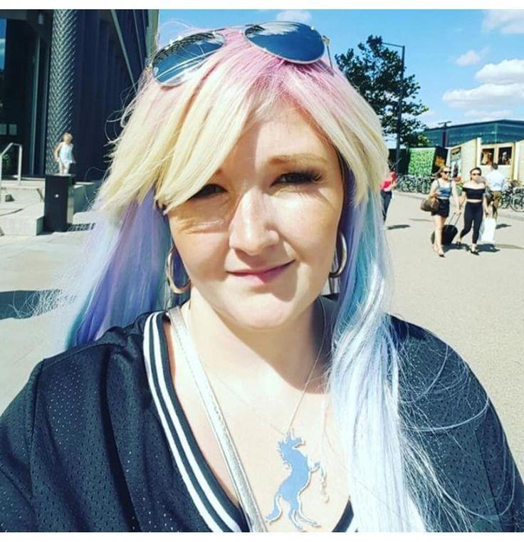 @reallyroxx Looks gorgeous in her new Sherbet Dip wig  #lushwigssherbetdip #lushwigs