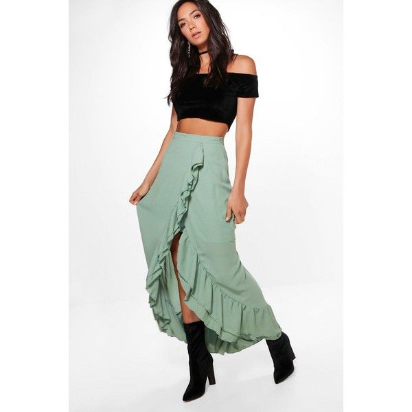 Boohoo Luna Ruffle Front Dipped Hem Maxi Skirt ($40) ❤ liked on Polyvore featuring skirts, long skirts, white maxi skirt, hi low maxi skirt, pleated maxi skirt and mini skirt