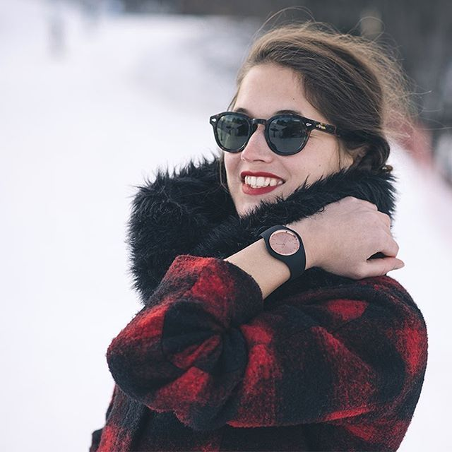 A smile can change everything!  #icewatch #icechic #chic #winter #snow #goodtime #holiday #christmas #ski #photooftheday #watch ( @elodietimmermans)