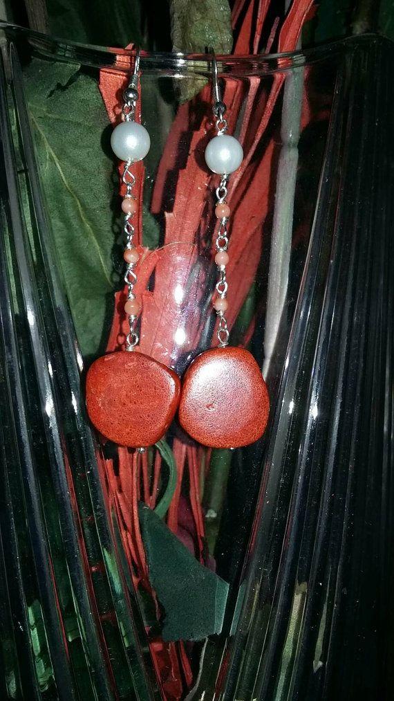 Guarda questo articolo nel mio negozio Etsy https://www.etsy.com/listing/293123613/orecchini-madrepora-corallo-spugna-e