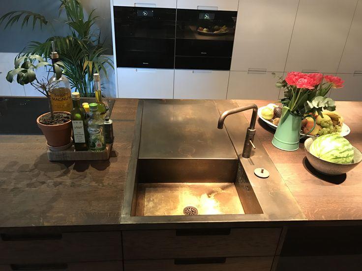Bass sink from Denmark.  Made by ONO.dk - kitchen from Handcrafted Interior #brasssink #brass #sink #oakkitchen