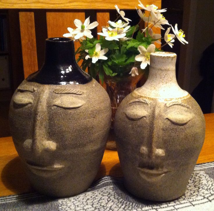 Stina Jansson. Male and female vases.