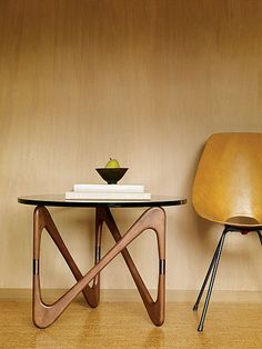Get inspiration for your work in progress: a new table decor project! Find out the best midcentury inspirations for your interior design project at http://essentialhome.eu/