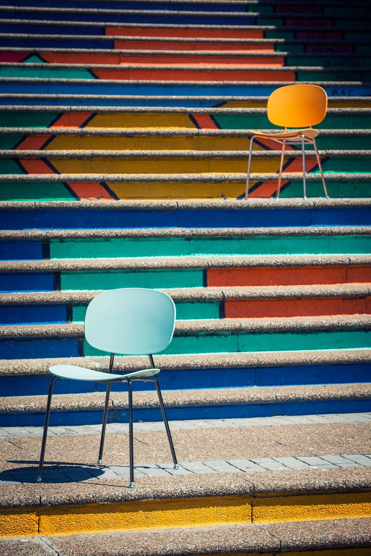 TONDINA POP chair. Design by Favaretto & Partners for Infiniti