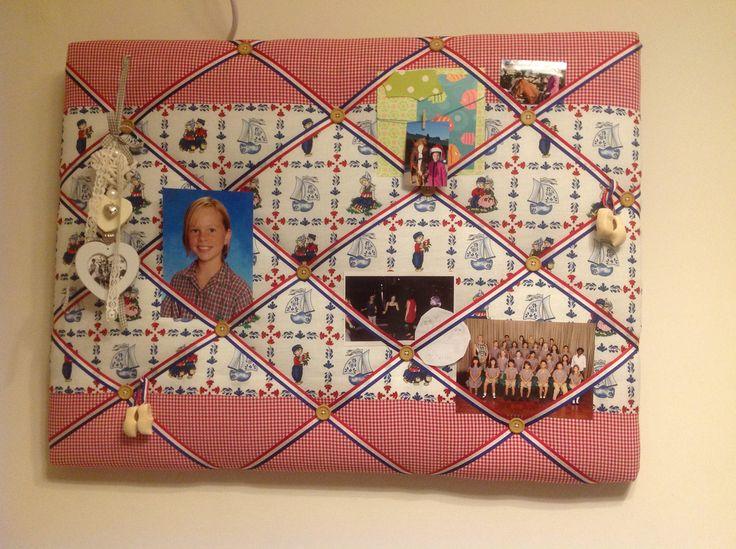 Een prikbord gemaakt van een canvas met wat batting en een leuke stof.