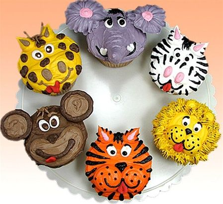 """Call of the Wild"" Jungle Cupcakes by Susan Carberry - These are not your Grandma's cupcakes! Just imagine the reaction when you present these gems at a party!  Cupcakes have turned into a fun art form, and Susan spares no imagination bringing these treats to you."