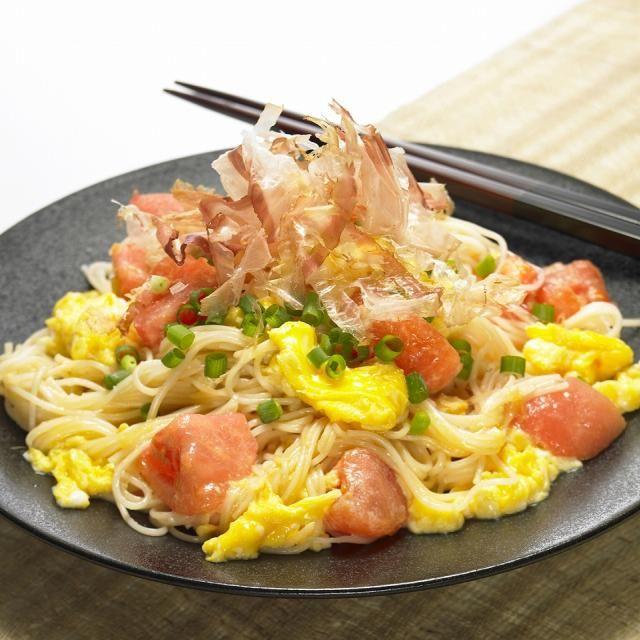 トマトの赤と卵の黄色が食欲をそそられますね!麺類が続くこの季節。たまにはそうめん炒めてみるのもおススメです(*^^)v - 54件のもぐもぐ - トマトと卵のそうめんチャンプルー by いいだし、いい鰹節。ヤマキ
