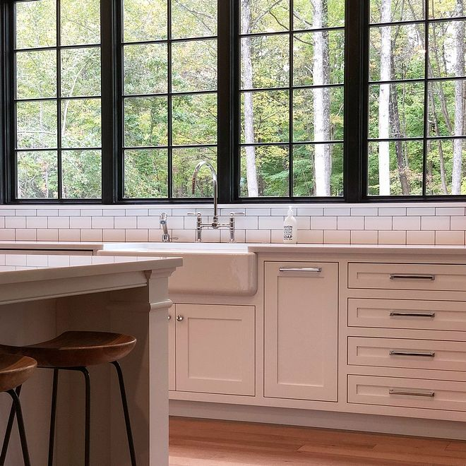 Best Benjamin Moore Chantilly Lace Kitchen Cabinet With 400 x 300