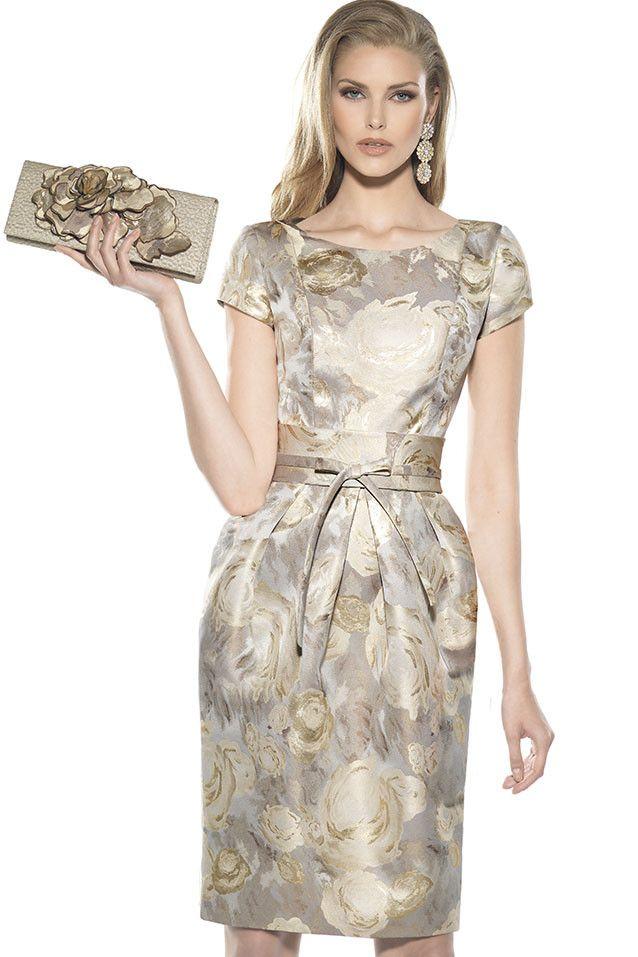 Al acercarse una fecha tan especial como es una boda, todos revuelven los armarios para conseguir un modelo en donde estás increíble, procurando, por supue
