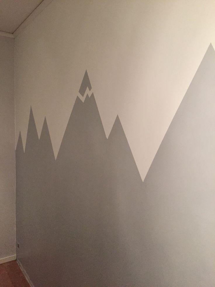 Målat berg i mitt barns rum
