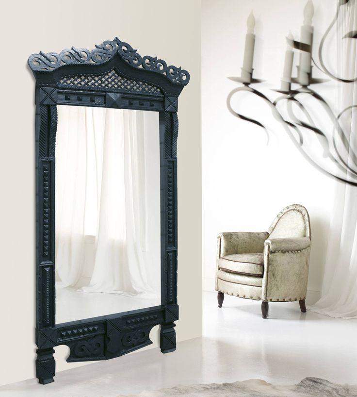 Зеркало напольное ростовое для квартиры, ресторана, отеля, кафе. Для интерьеров в стиле прованс, неоклассика, фьюжн, русском стиле. Сделано из старинного русского наличника прошлого века. Ручная работа.