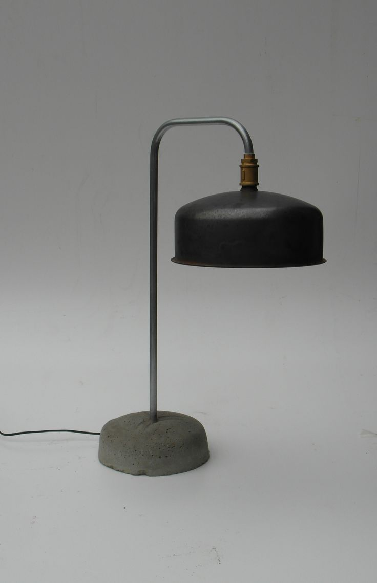 Industriele Tafel Lamp 130 EUR