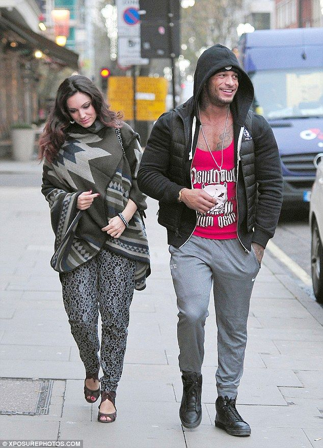 Kelly Brook and former fiancé David McIntosh reconcile once more as they grab a bite to eat | Daily Mail Online