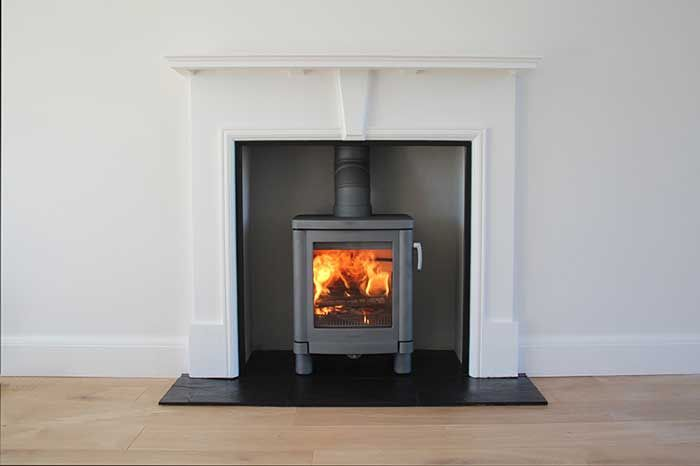 Fireplace mantel with slate slips - boarded chamber - Contura 51L - Scarlett install