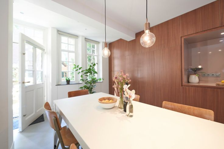 Wonderful Westerpark Apartment is located around the corner from Westerpark and only a short stroll to the lovely Jordaan area. Fully serviced + cleaning!