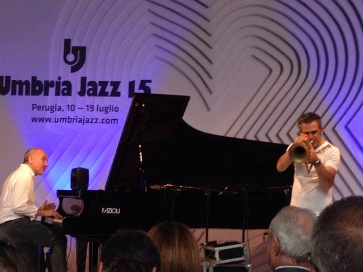 @Expo2015Milano; @jazz; @design  - Pubblico incantato dalla esibizione di Paolo Freso e Danilo Rea - 10 giugno presso CASA DEL DESIGN - MILANO....quando il jazz diventa un linguaggio comune...