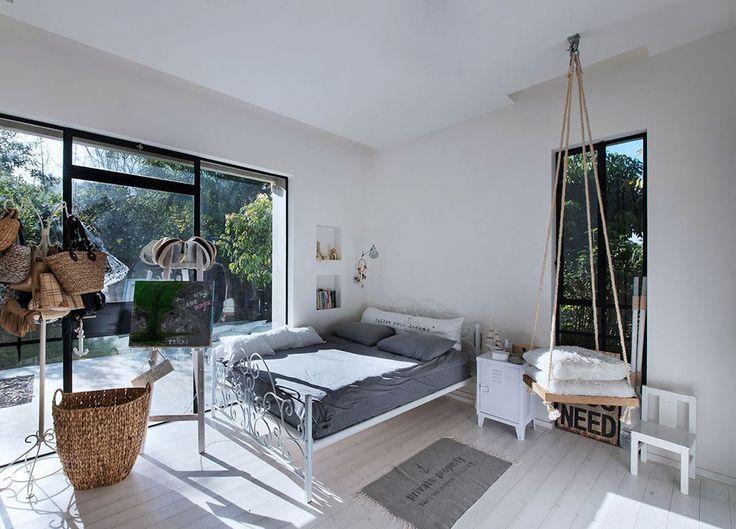 Belle maison contemporaine au design minimaliste industriel en israël