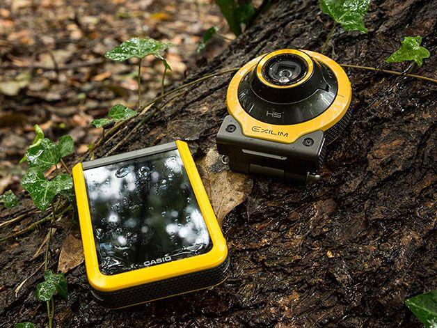 """カシオ計算機は、""""感動体験を記録するためのビジュアルコミュニケーションギア""""として新ジャンル「Outdoor Recorder」を立ち上げ、分離型カメラの新製品「EX-FR100」を12月11日に発売する。価格はオープンプライスで、店頭予想価格は55,500円前後。カラーはYW(イエロー)、BK(ブラック)、WE(ホワイト)の3色。"""