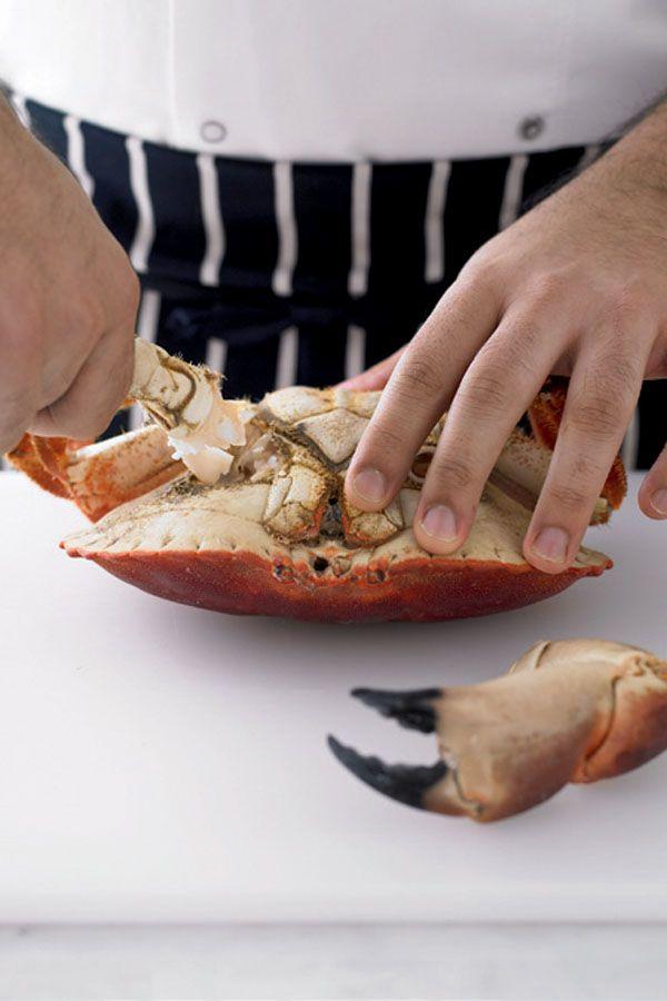 Zo tackle je een hele krab | ELLE Eten NL