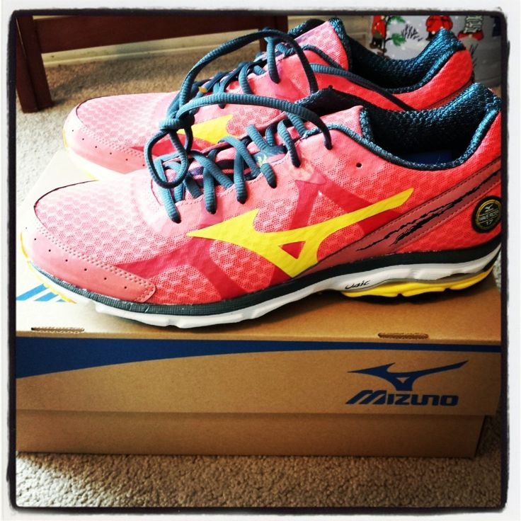 The Mizuno Wave Rider 17 - read on for more. Neutral running shoe. #FitFluential